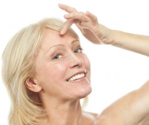 Intensely Moisturising All-Natural DIY Mature Skin Serum